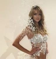 Victoria-Secret-Snow-Queen-Wings